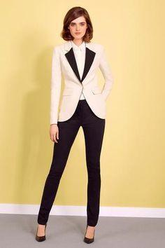 Paule Ka, magnifique tailleur pantalon                                                                                                                                                                                 Plus
