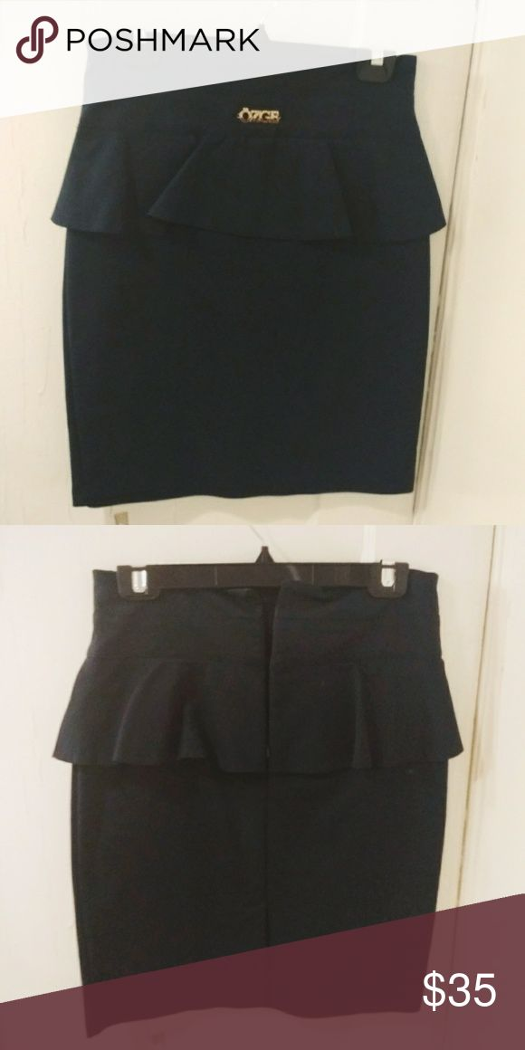 NWOT navy pencil skirt Never worn! Navy pencil skirt with ruffle element. Has zip and slit in the back. Fits like S and goes above the knee. Skirts Pencil