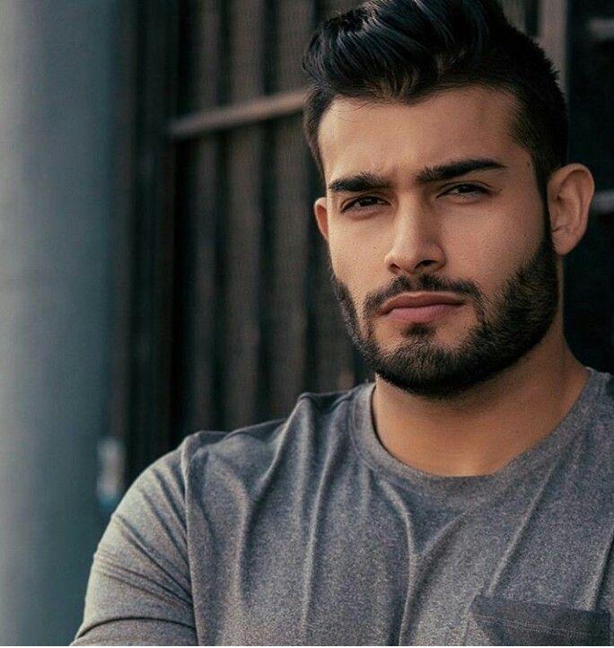 Find a handsome gay man
