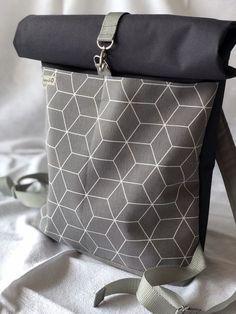 Einfacher, aber schicker Rolltop-Rucksack mit Link zu den Anweisungen
