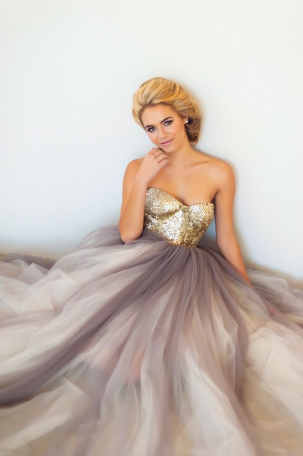 """Janita Toerien's """"Amber"""" gown combines grayed beautiful tulle with gold sequins."""