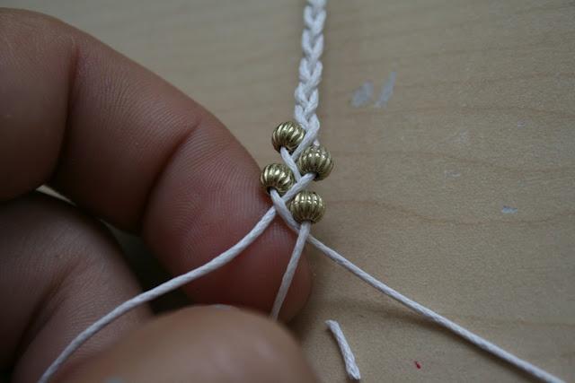tutorial waxkoord met kleine metallook kraaltjes.