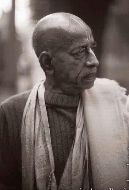 """Forgetfulness. That is the difference between God and man."" - A.C. Bhaktivedanta Swami https://old.prabhupadavani.org/main/Bhagavad-gita/GT128.html"