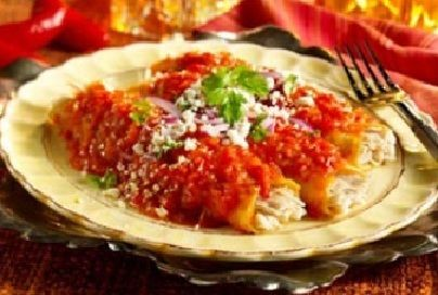 Enchiladas rojas de pollo  Ver receta: http://www.mis-recetas.org/recetas/show/3425-enchiladas-rojas-de-pollo