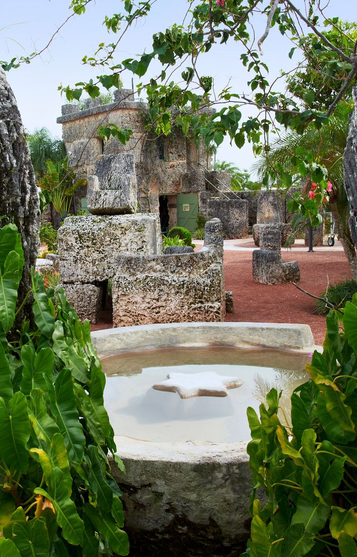Coral Castle. Homestead, Florida. https://www.stopsleepgo.com/vacation-rentals/florida/united-states
