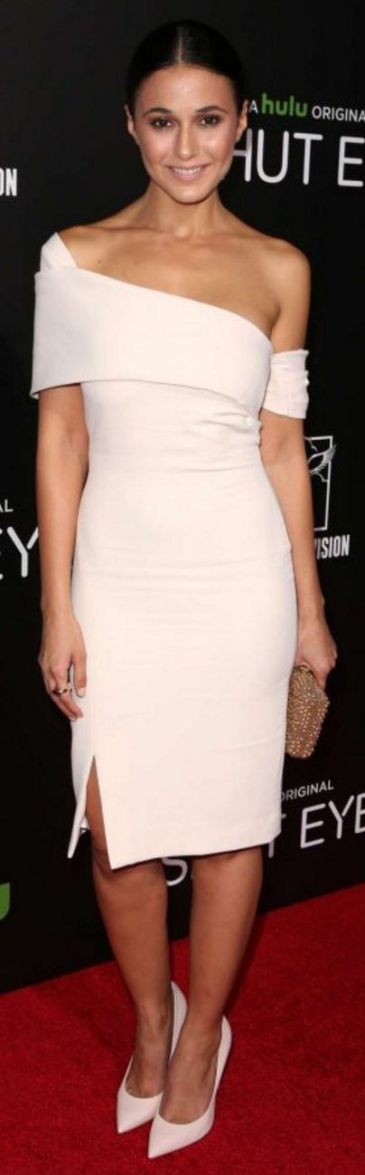 Who made Emmanuelle Chriqui's white one sleeve off the shoulder dress and jewelry?