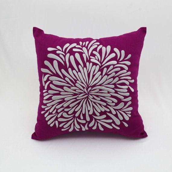Copertura del cuscino floreale d'argento fiore d'argento
