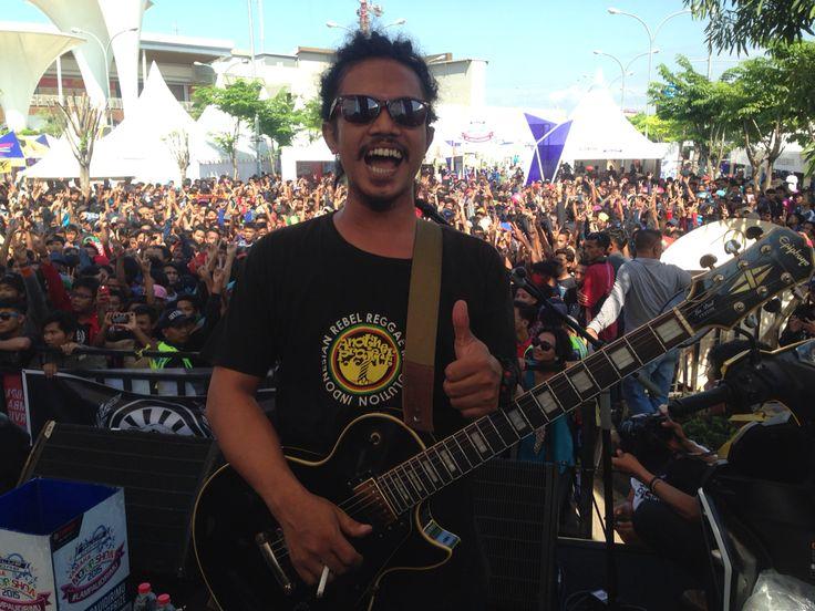 Cepe Hendrix action