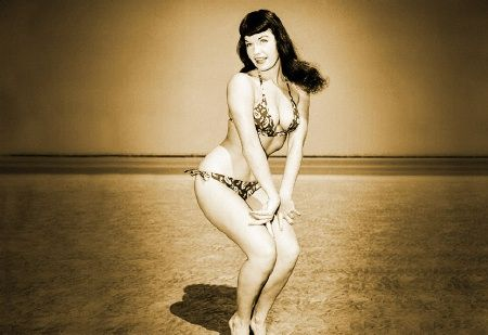Google Image Result for http://loyalkng.com/wp-content/uploads/2009/06/bettie_page_beach02-2.jpg