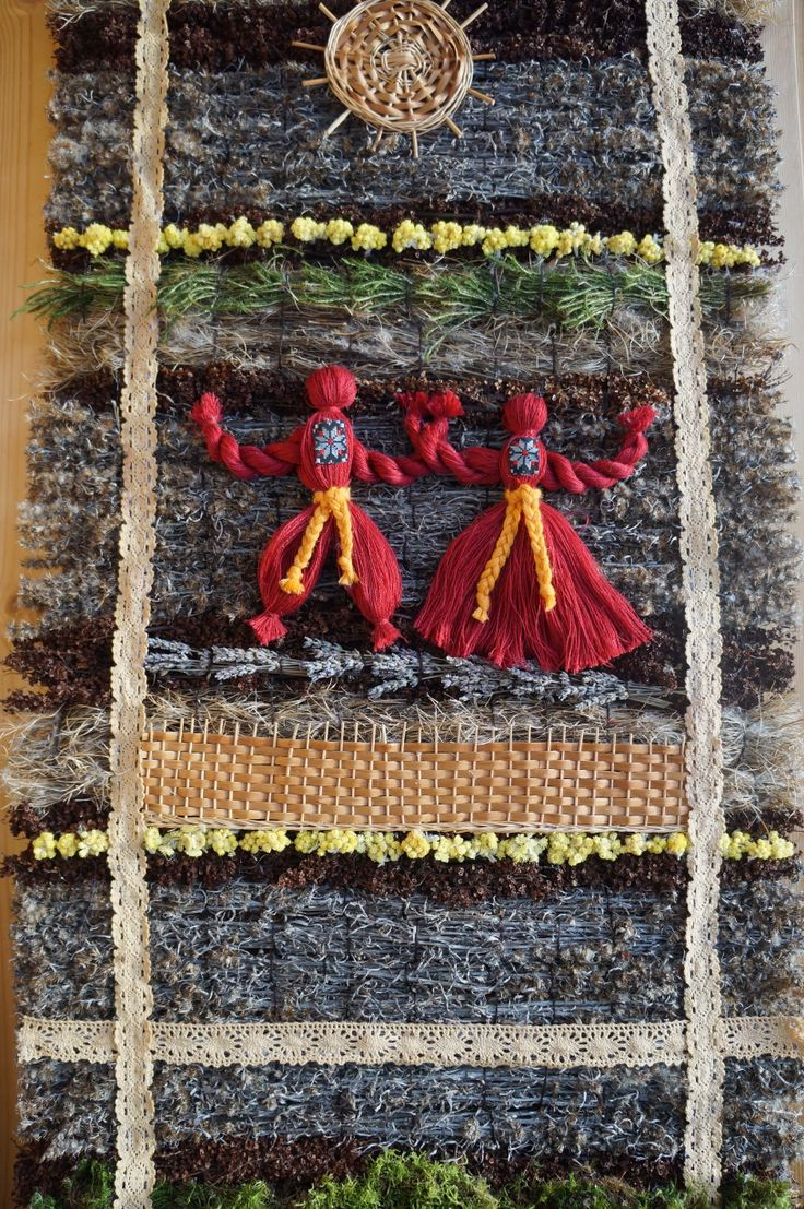 """""""Иван - да - Марья"""" - Ковер соткан из полевых трав, добавлен мох, немного лаванды. Использованы льняные кружева."""