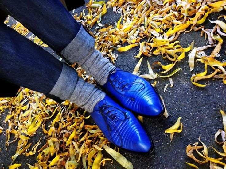 Eryca Judi Green in PZD electric blue Paita pointy toe lace up #pzd #streetstyle #bohostyle #bohoblue #bespokeshoes