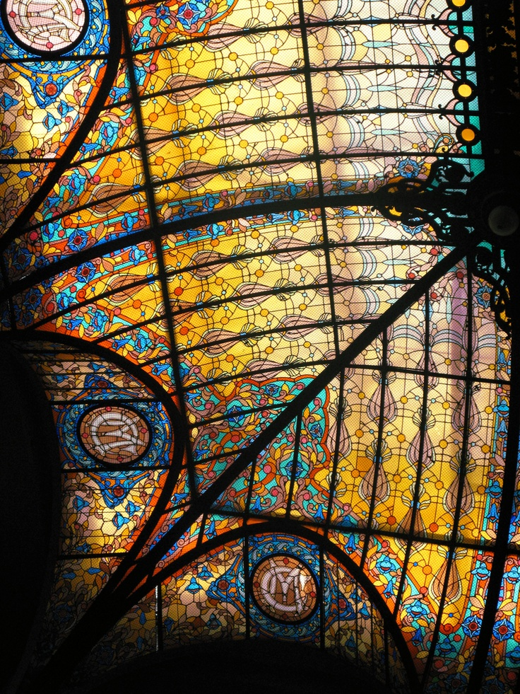 Gran Hotel Ciudad de Mexico - magnificent stained glass Tiffany roof, and birdsong from caged birds.