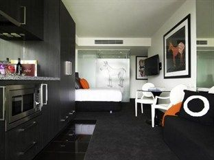 Art Series The Cullen Hotel Melbourne - Studio Suite ($260/nt)