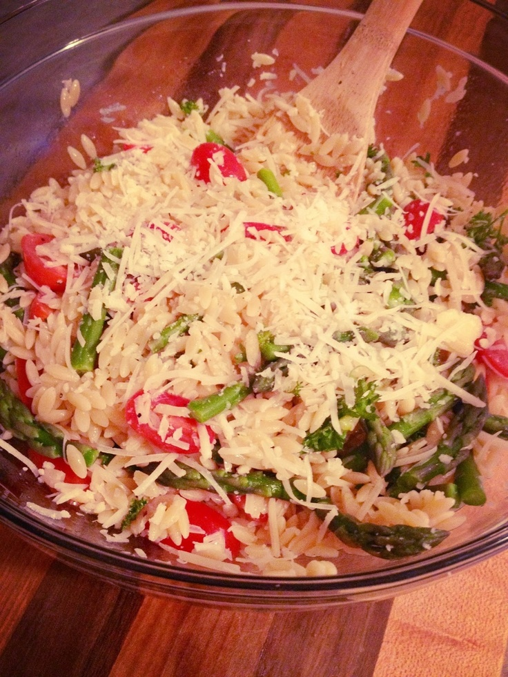 Happy Wholesome: Lemon Orzo Salad with Asparagus and Tomatoes