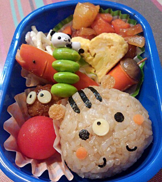 11回目(10月)の息子のお弁当♪ 初めての遠足♪ ドングリ拾ってくると意気込んでいた息子に リスさんおにぎり(笑) - 4件のもぐもぐ - 幼稚園お弁当(年少) by TSUKI