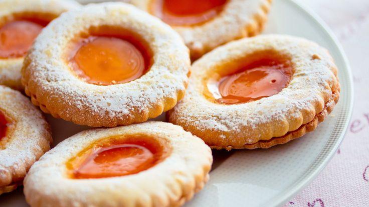 Kekse mit Aprikosenmarmelade