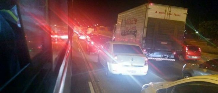 InfoNavWeb                       Informação, Notícias,Videos, Diversão, Games e Tecnologia.  : Tiroteio assusta motoristas na Avenida Brasil