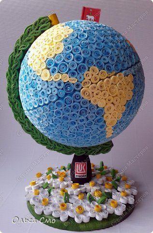 Поделка изделие День рождения Квиллинг Моделирование конструирование Глобус в подарок Бумажные полосы Клей фото 4