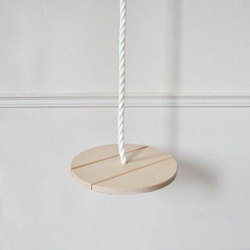 Adorable balançoire ronde en bois à installer dehors comme dedans