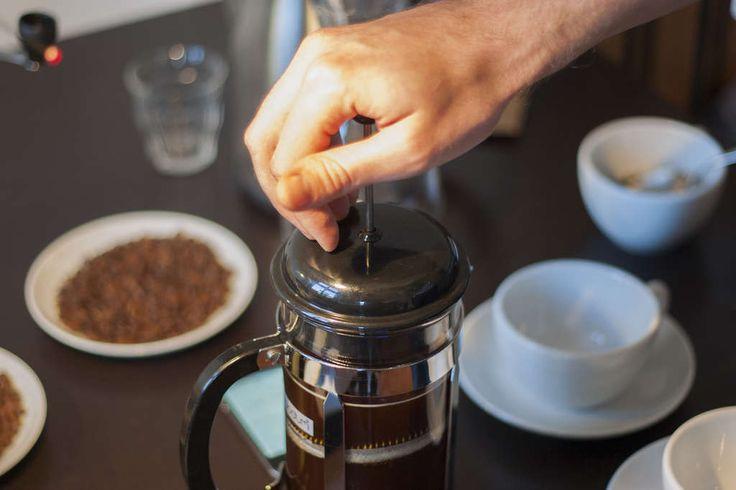 French Press-Anleitung: So richtig leckeren Kaffee machen - Kaffee Bitte