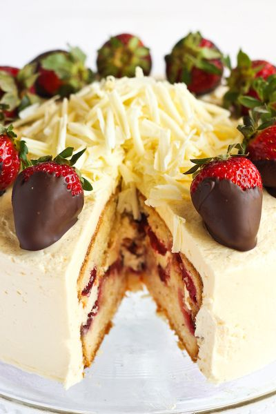 .Strawberry Cakes, Pink Champagne, Strawberries Cake, Yummy, Champagne Strawberries, Eating Cake, Sweets Tooth, Food Recipe, Champagne Buttercream
