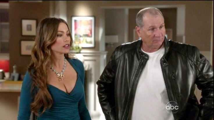 Sofia Vergara Photos - Modern Family Season 3 Episode 18 - Zimbio