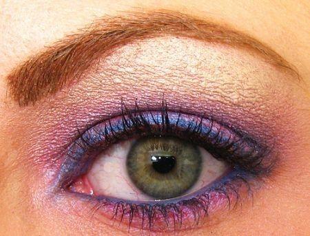Ombretto rosa occhi verdi