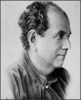 First Indian artist to gain international recognition, Abanindranath Tagore was the principal artist and creator of 'Indian Society of Oriental Art' and the first major exponent of swadeshi values in Indian art, thereby founding the influential Bengal school of art. He followed his own traditions which were successfully depicted through his paintings. He died on 5th December, 1951 in Kolkata, India. #Artist #AbanindranathTagore #DeathAnniversary #IndianArt #PaintedRhythm