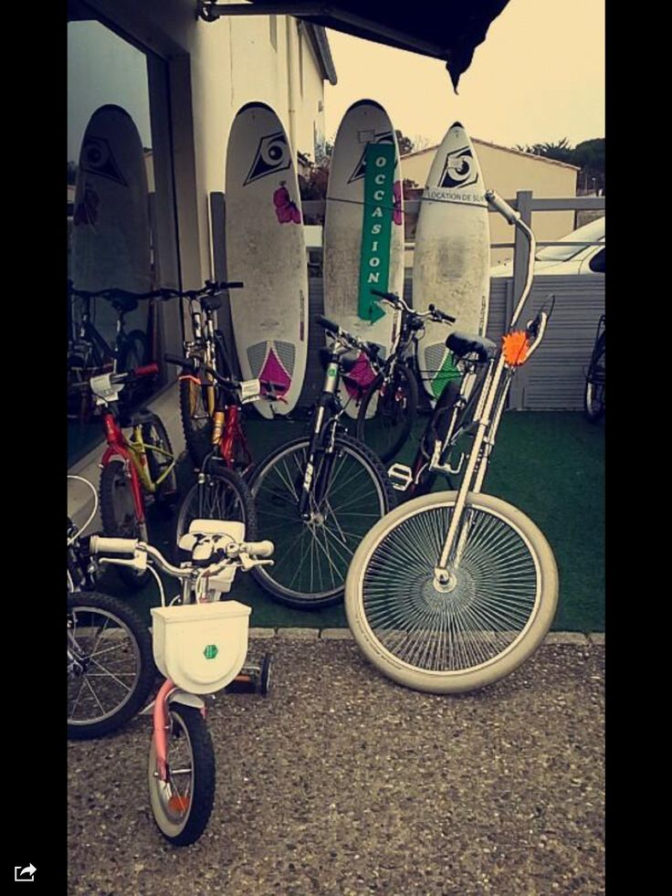 Only in l'île de Rè would they have a surf and bike shop...