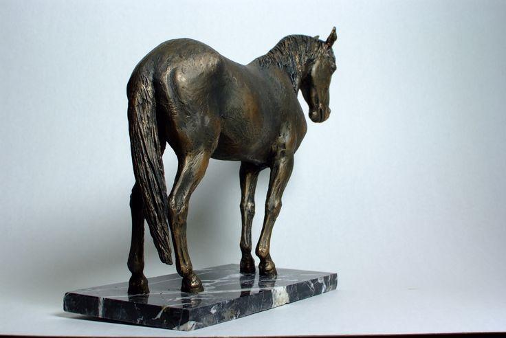 "Конь породы Рокки-маунтин ""Биг-бен"" 2014. Полимерный материал, мрамор."