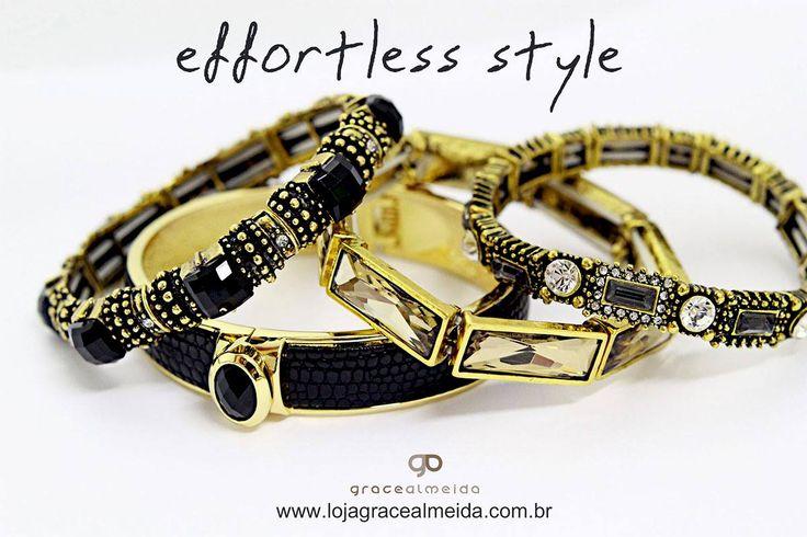 Chic sem esforço!! Na loja virtual: www.lojagracealmeida.com.br #acessoriees #accessories #lookdodia #lifestyle #habdmade #healthylifestyle #hippiechic #fashionstyle #fashionismo #fashionblogger #fashion #bijuteriasemcuritiba #curitiba #customizar #designer #glam #streetstyle #statementjewelry #style #pulseirasemcuritiba #joias #prata #inverno2015 #