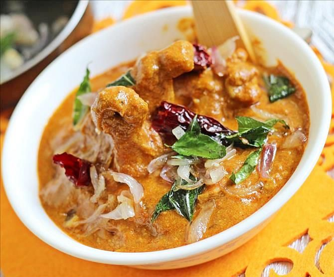 Kerala chicken curry recipe with step by step pictures - Learn to make delicious traditional nadan chicken curry or kozhi curry recipe with fresh masala