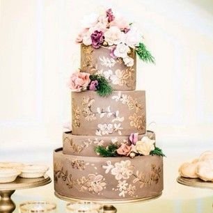 This ethereal dessert. | 24 Of The Most Beautiful Wedding Cakes Of 2014