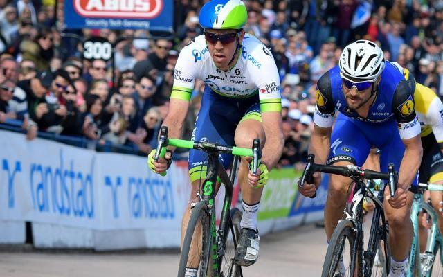 Mathew Hayman dévoile comment il a pu gagner Paris-Roubaix malgré un bras cassé six semaines auparavant -                   Victime d'une fracture du radius du bras droit le 28 février, le cycliste australien Mathew Hayman a surpris tout le monde en remportant Paris-Roubaix six semaines plus tard. http://si.rosselcdn.net/sites/default/files/imagecache/flowpublish_preset/2016/04/16/125531751_B978413369Z.1_20160416221629_000_G3M6INJUT.3-0.jpg - Par http://www.78