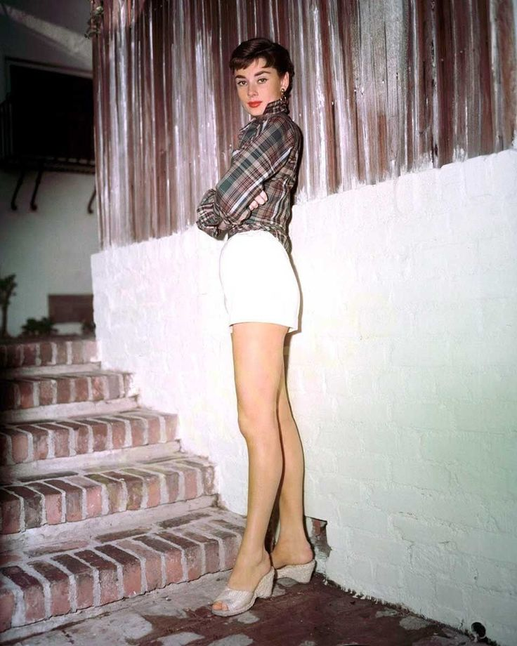 Audrey Hepburn Shorts Color 8x10 Photograph
