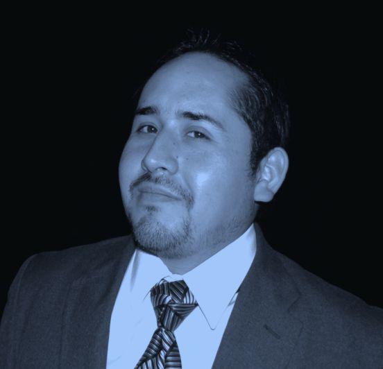 Aly de Godinez, corbata de triángulo