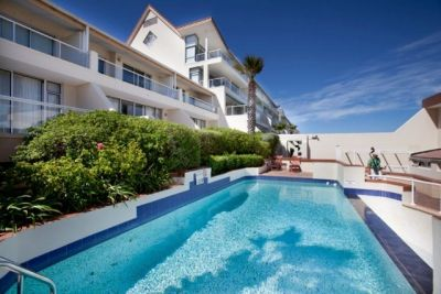 #SelfCatering Accommodation #Bloubergstrand - Dolphin Beach Hotel - the perfect quick getaway Self-Catering option, and if you don't feel like cooking, the famous Blowfish restaurant is at your service for delicious sushi treats and cocktails.