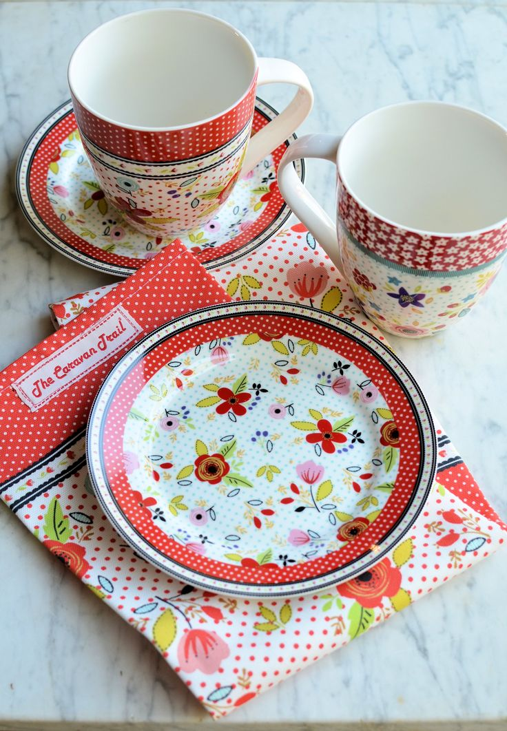 #TheCaravanTrail #Tableware #Ceramics #Mugs #Gift #BeachBreak #Red #Colour