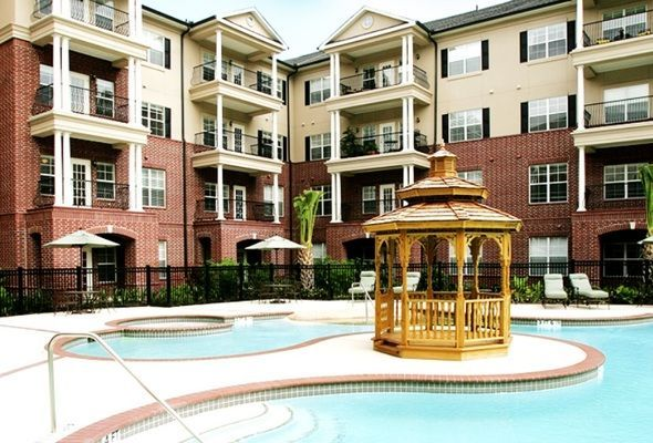 The Buckingham Is A Senior Retirement Community At 8530 Woodway Houston Tx 77063 It Provides Assisted Living Retirement Community Woodway Dining Services