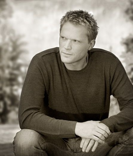 Paul Bettany... Love him