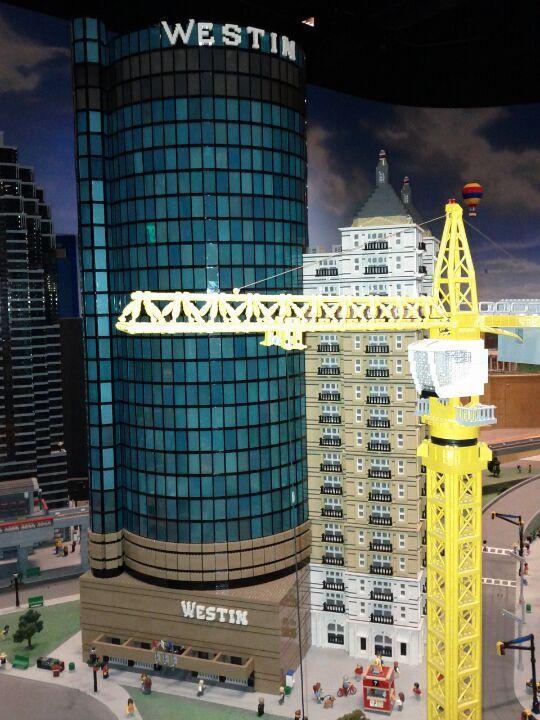 Explore our city in LEGO form! Make LEGOLAND Discover Center a ...