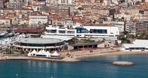 Le Palais des Festivals et des Congrès de Cannes Cannes et ses facettes, Cannes professionnels - Site de l'Office de Tourisme de Cannes