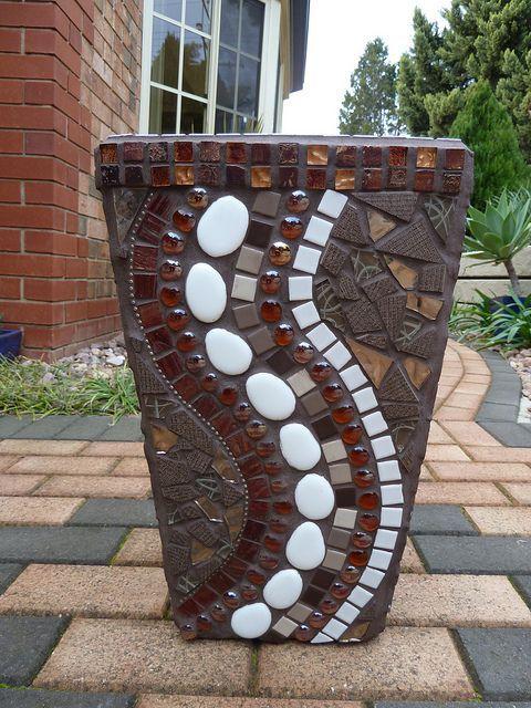 mosaic pots with pebbles