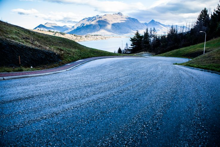 Suburban Road - Queenstown - MiddletonRoad, Wet sharp corners with gravel
