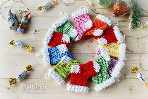 Ravelry: Crochet Christmas Stocking Ornaments FREE pattern by zoom yummy.