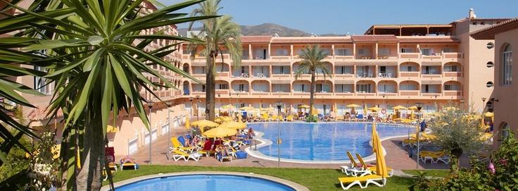 Piscinas Hotel Bahía Tropical  Frente a Playa del Pozuelo en Almuñécar (Granada) Spain