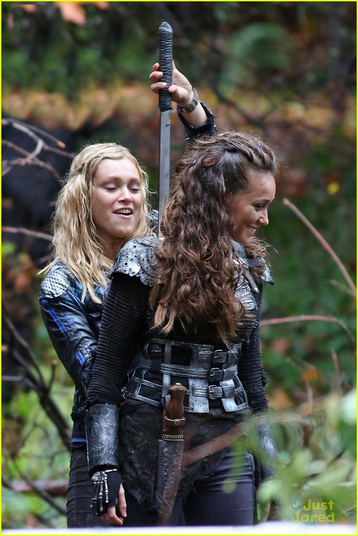 Eliza Taylor Heads Back Into The Woods on 'The 100' | eliza taylor alycia 100 filming 21 - Photo