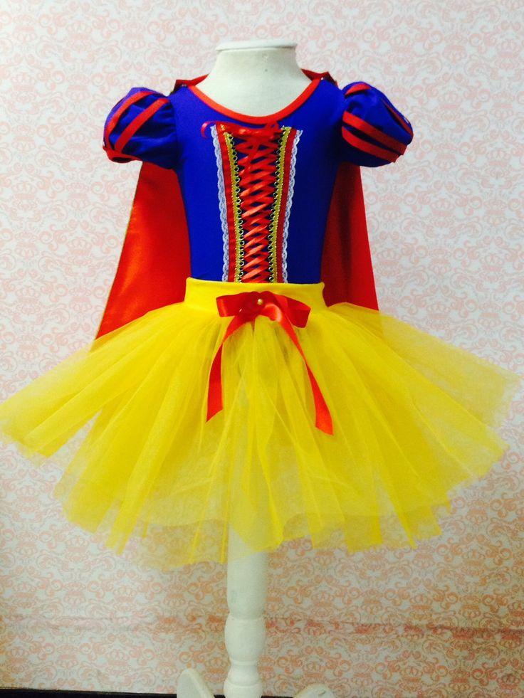 Fantasia da princesa branca de neve tutu. Colan lycra com abotoamento embaixo, saia tule, capa cetim e laço vermelho cabelo.  Tamanho 1 ao 10