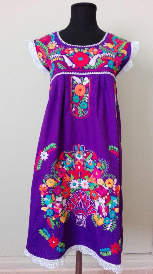 Knielange Kleider - benutzerdefinierte bestickte Minikleid Hippie Boho - ein Designerstück von LaMexicana bei DaWanda