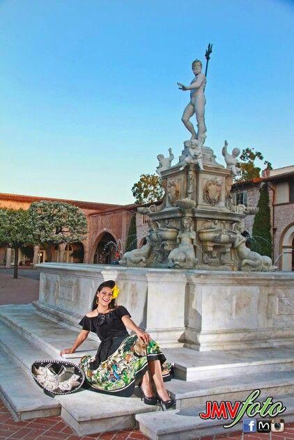 Photo/ JMV Foto MUAH/Leslye Rox Vintage wardobe & styling/ Ruby Champagne Hair Flower/ Niccoco Creations Jewelry/ Native Chicana #vintagefashion #vintagemexicanskirt #retroriviera #retrofashion #retrostyle #teamriviera